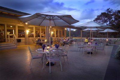 OutsideDiningAvailableatPortsideRestaurant.jpg